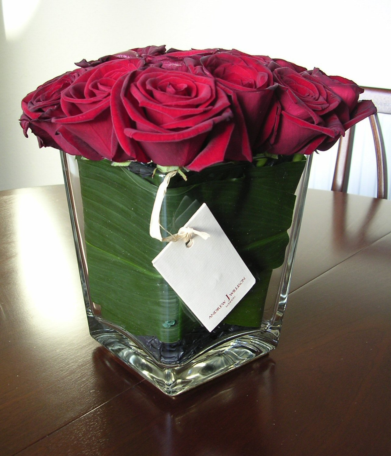 Contemporary_Rose_Vase.jpg